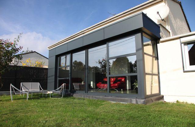 Extension véranda - salon - en aluminium et trespa