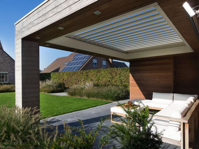 Poolhouse met Renson terrasoverkapping