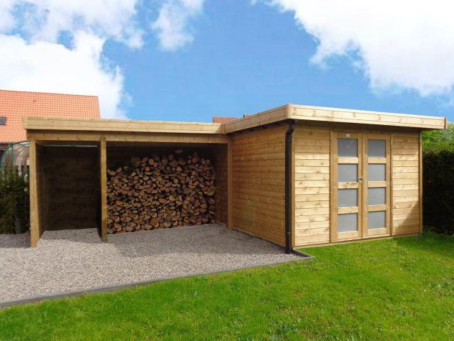 Modern tuinhuis met houtstapelplaat en een afvalhoek.