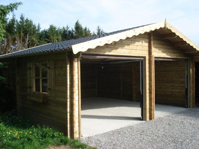 Dubbele klassieke houten garage