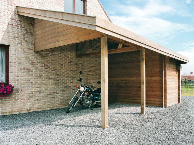 Aangebouwd klassieke carport met tuinhuis