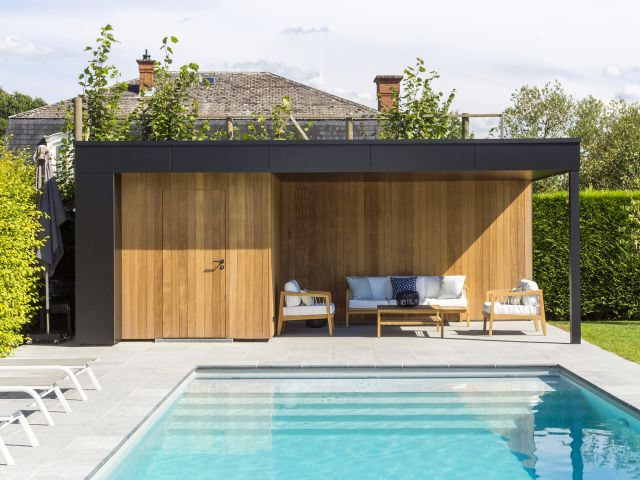 Pool house avec Trespa et Iroko