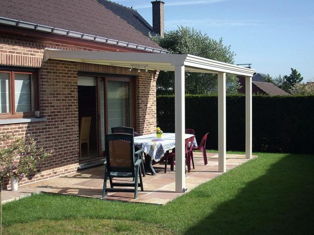 Open pergola in aluminium