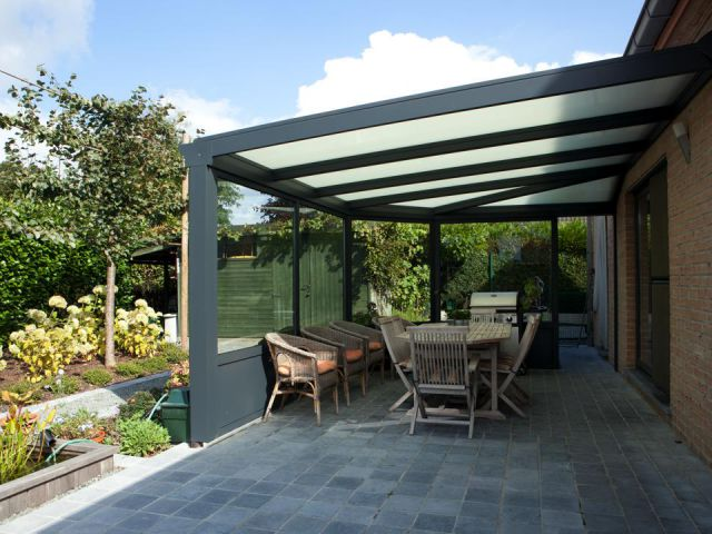 Toit de terrasse semi-fermé en aluminium gris anthracite RAL 7016