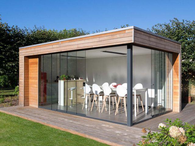 Pool house avec portes coulissantes
