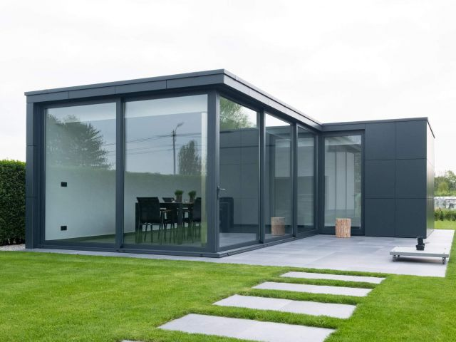 Pool house sur mesure en Trespa