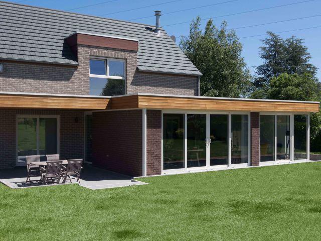 Uitbouw in aluminium en hout