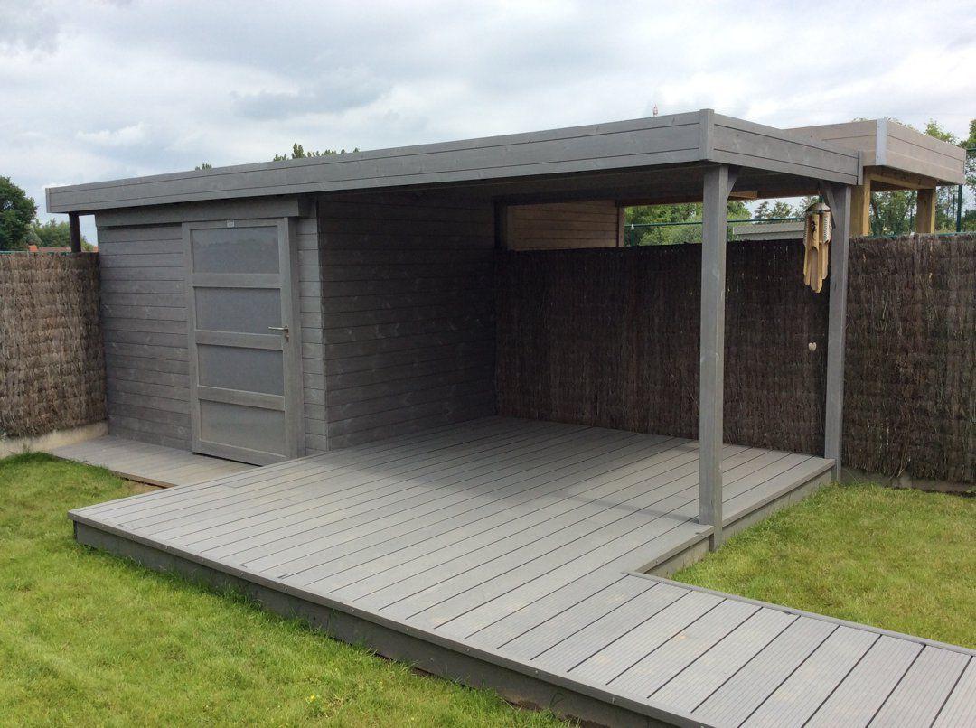Modern houten tuinhuis met schuifdeur