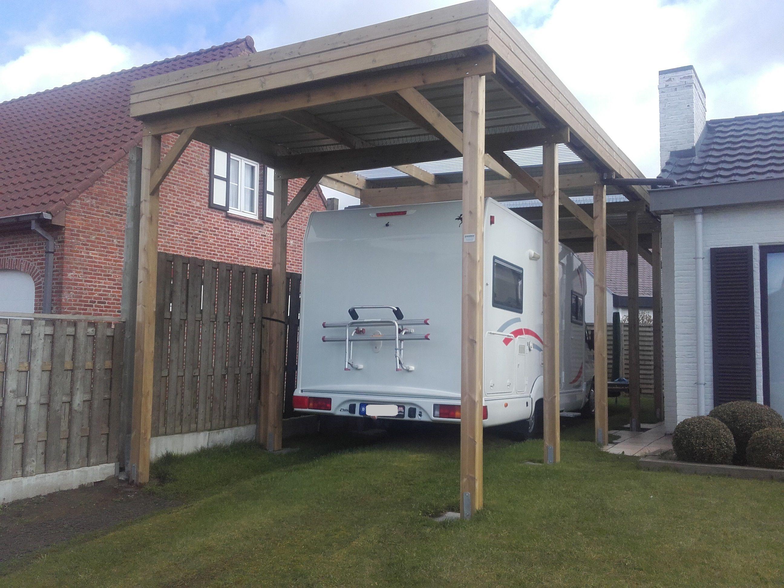 Houten carport voor camping car-mobilhome