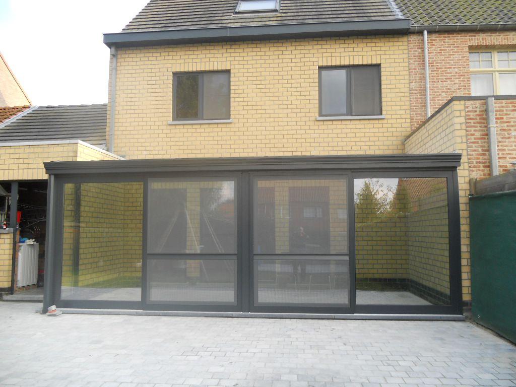 Moderne veranda met schuifdeuren