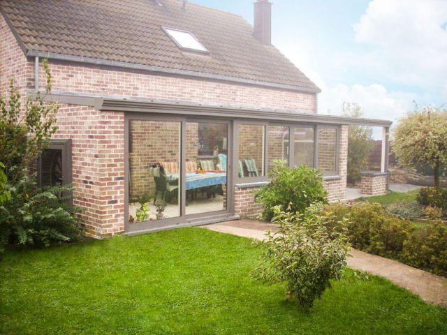 Veranda in aluminium met terrasoverkapping