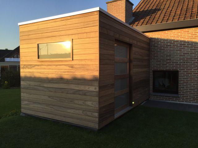 """Modern tuinhuis """"cube"""" in duurzaam hardhout (padoek)"""