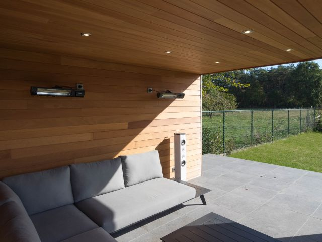Pool house moderne en bois