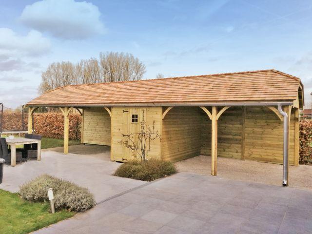 Carport en bois de style cottage