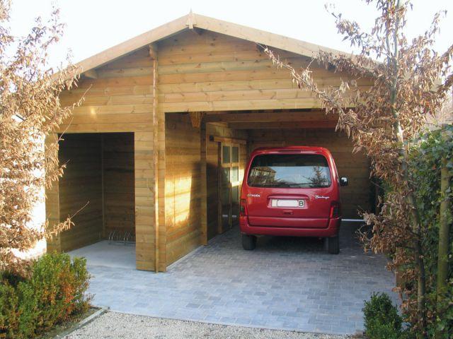 Carport indépendant double pente en bois, avec abri de jardin