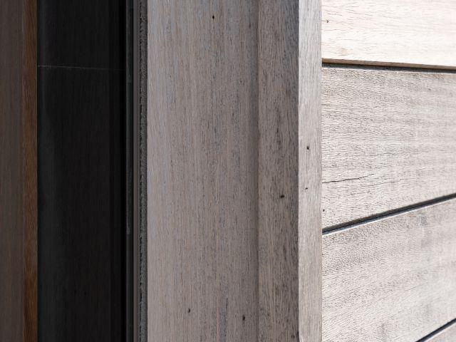 Detail Houten Tuinhuis in Iroko