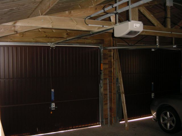 Double garage avec 2 portes électriques automatiques