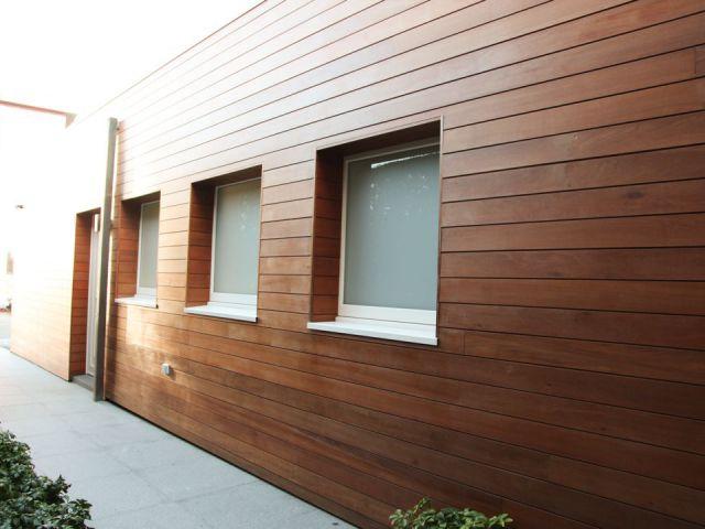houten garage op maat met toegang achteraan