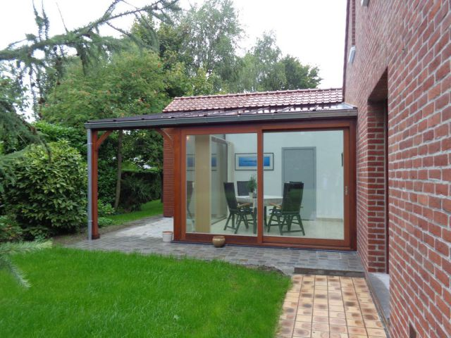 Klassieke houten veranda-pergola