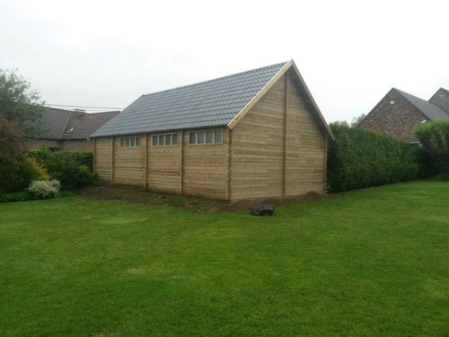 Garage double pente en bois avec espace atelier
