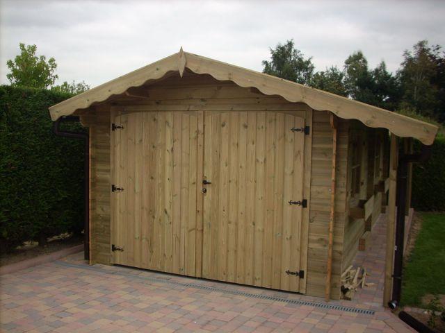 Garage en bois avec espace abri de jardin