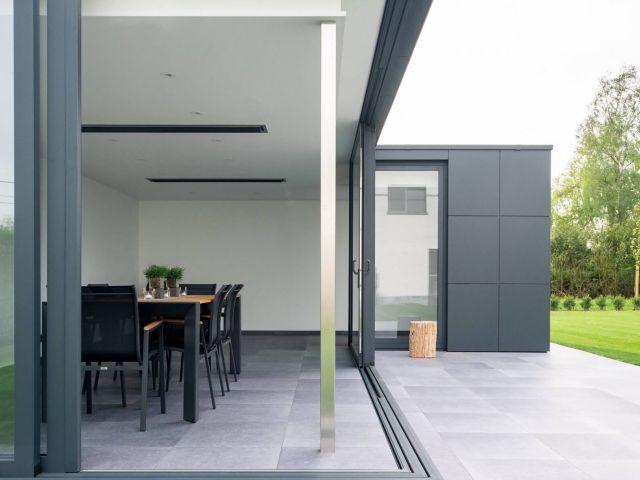 Modern poolhouse in Trespa
