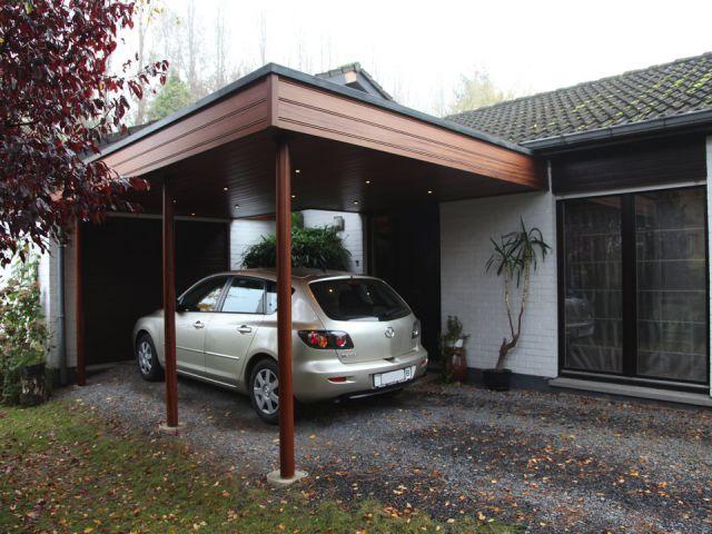 Moderne aangebouwde carport