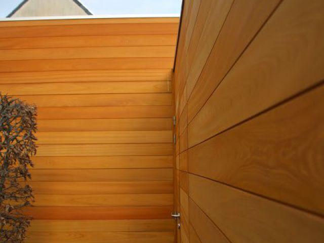Alleenstaande carport met ingewerkte deur-zijkant