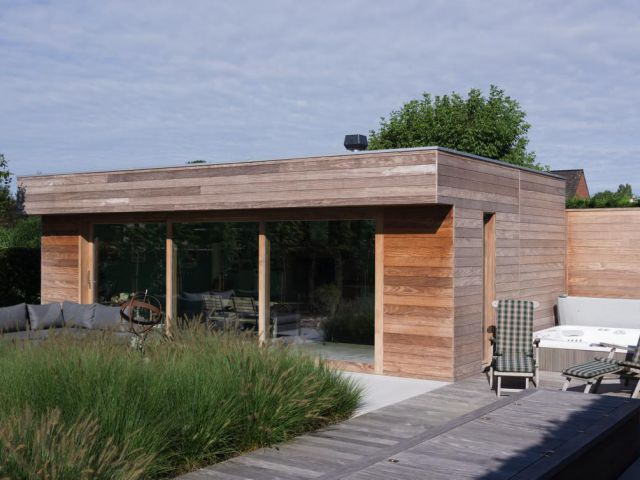 Poolhouse in hardhout Afrormosia