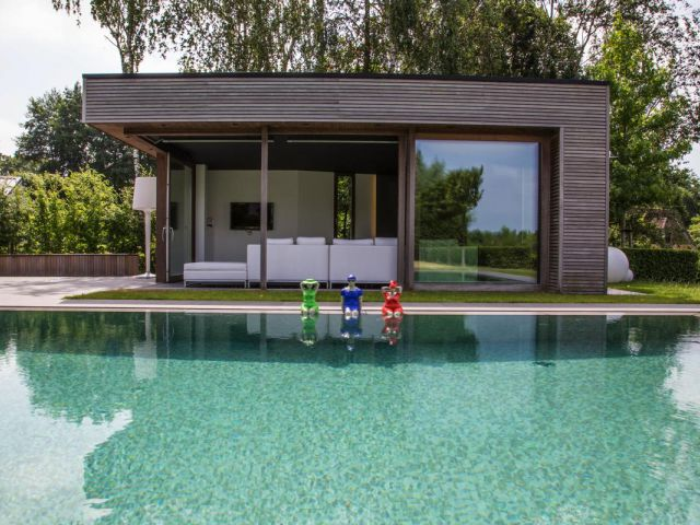 Beeldjes Veerle De Vos Poolhouse