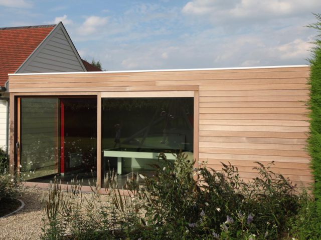 Poolhouse in hardhout Moabi