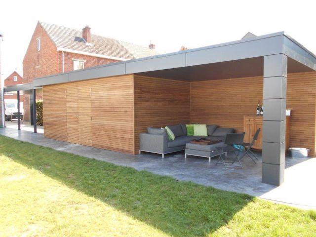 Poolhouse met terrasoverkapping en carport