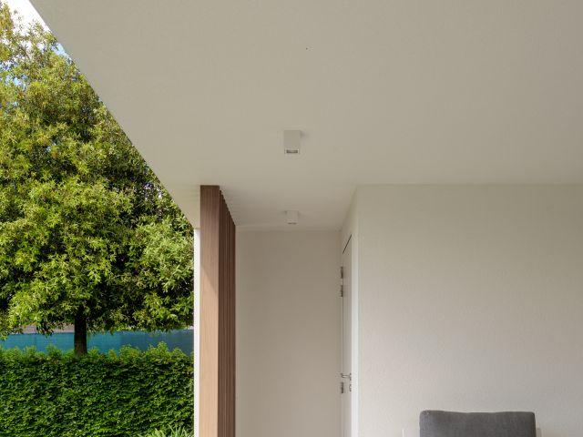 Moderne Poolhouse met berging