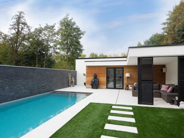 Poolhouse in crepi