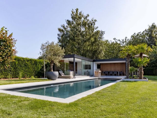 Luxe Poolhouse