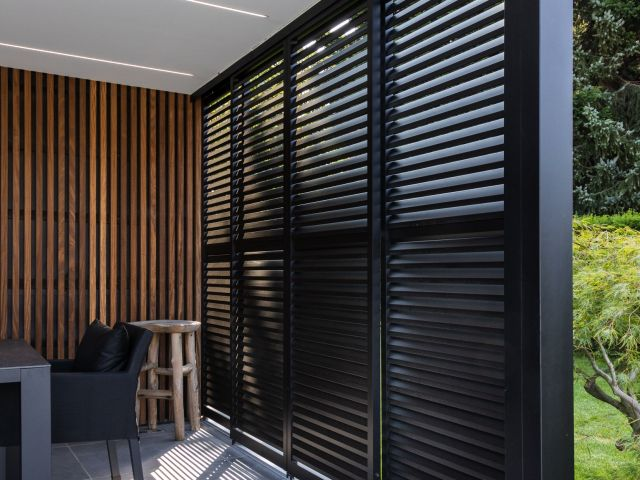 Loggialu Privacy Renson in Poolhouse
