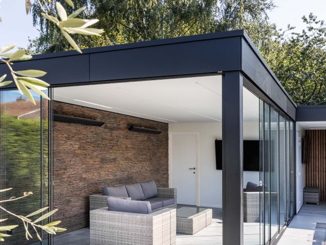Loungegedeelte Poolhouse met Sunflex