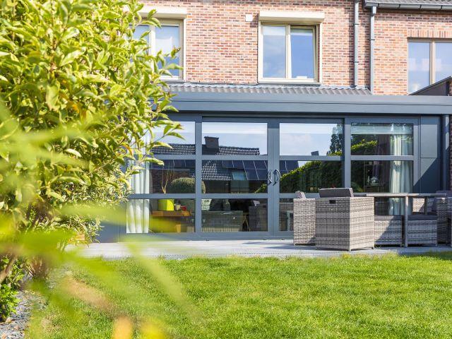 Aluminium veranda met schuifdeuren