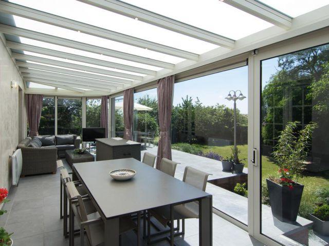 Veranda in aluminium met schuifraam