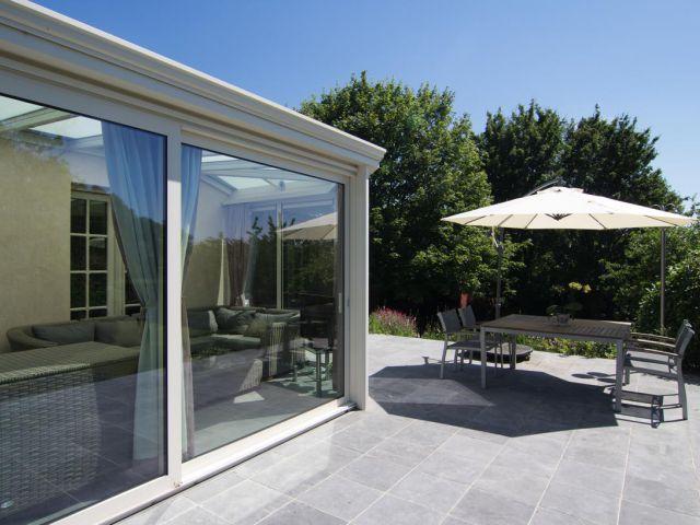 Klassieke veranda met terras
