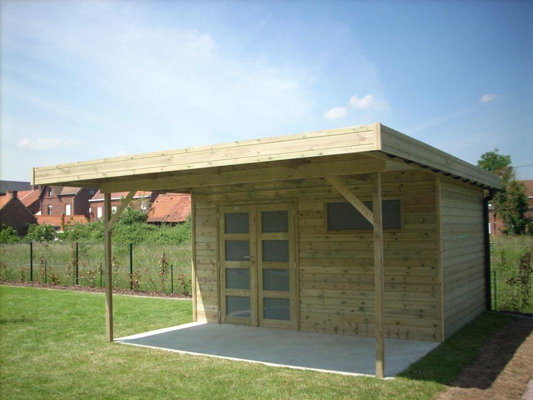 Veranclassic modern houten tuinhuis met oversteek for Chalet jardin moderne