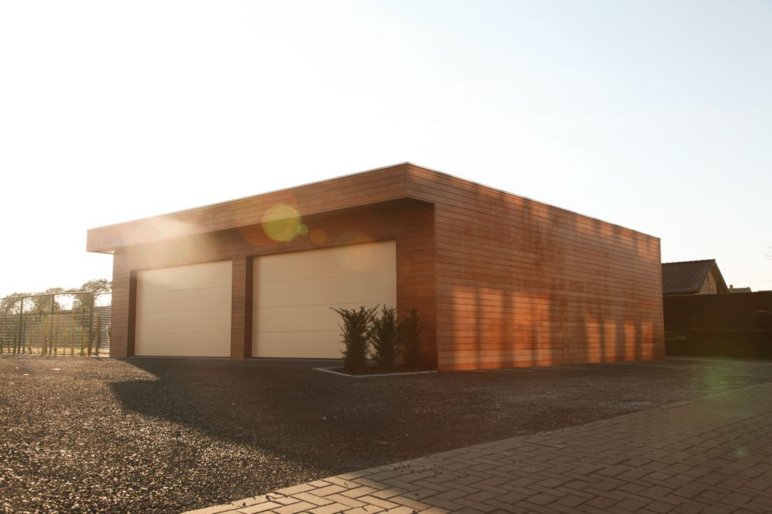 Garage en bois tropical veranclassic for Garage en bois avec porte sectionnelle