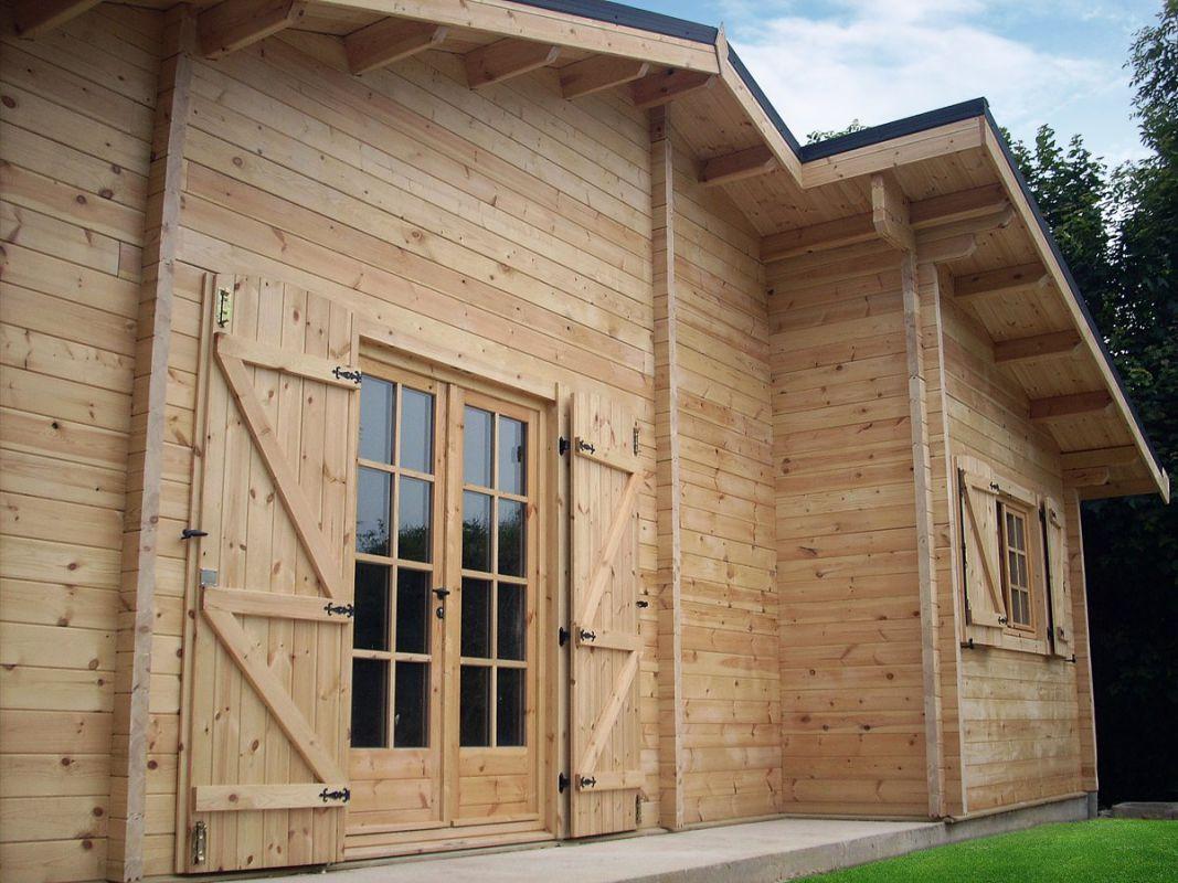 chalet habitable en bois avec porte croisillons - Porte De Chalet En Bois