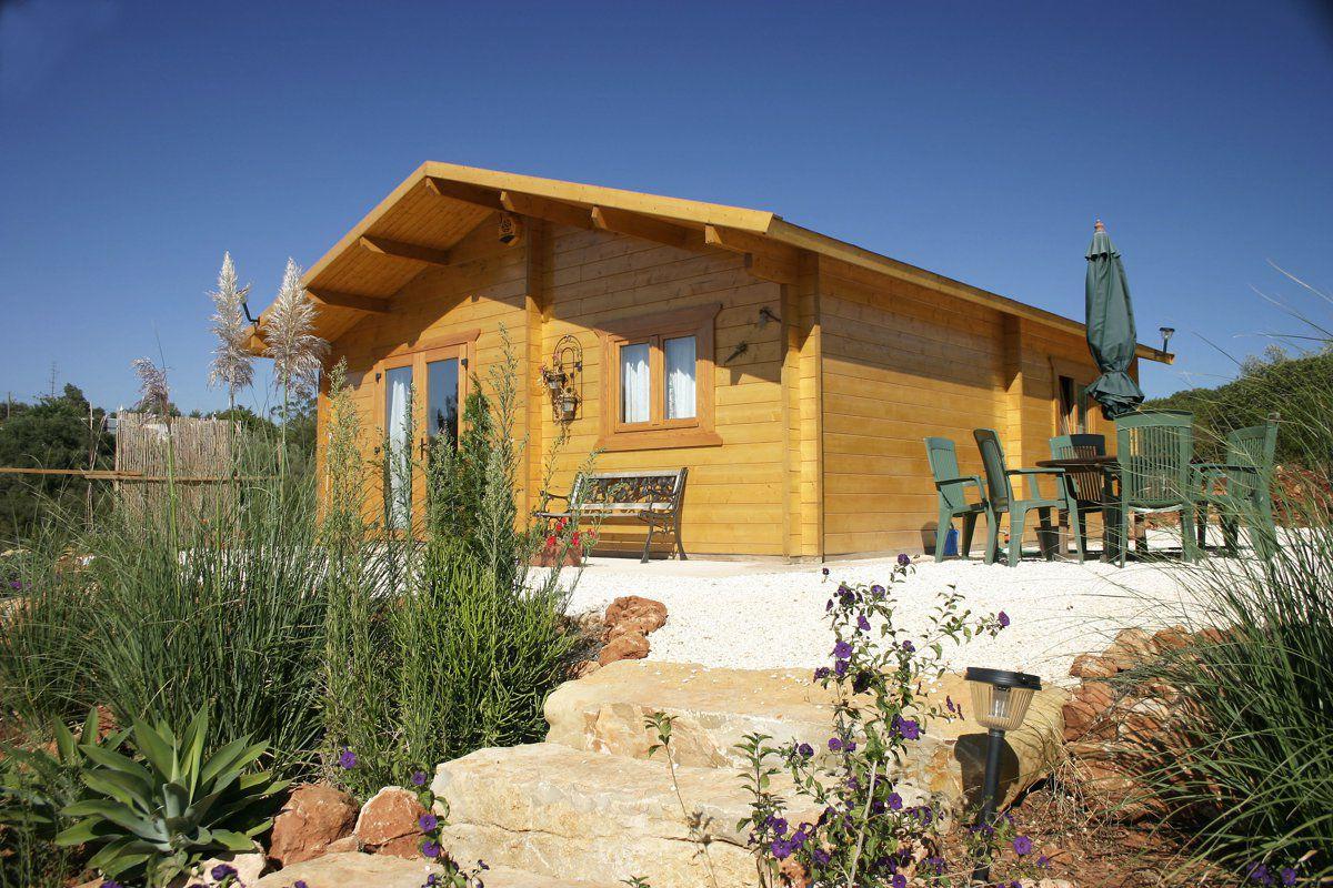 veranclassic un chalet habitable en bois durable. Black Bedroom Furniture Sets. Home Design Ideas