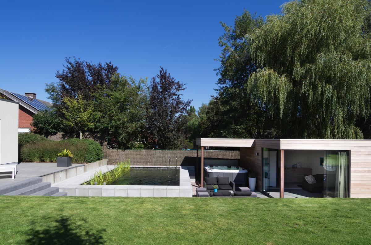 poolhouse in iroko veranclassic. Black Bedroom Furniture Sets. Home Design Ideas