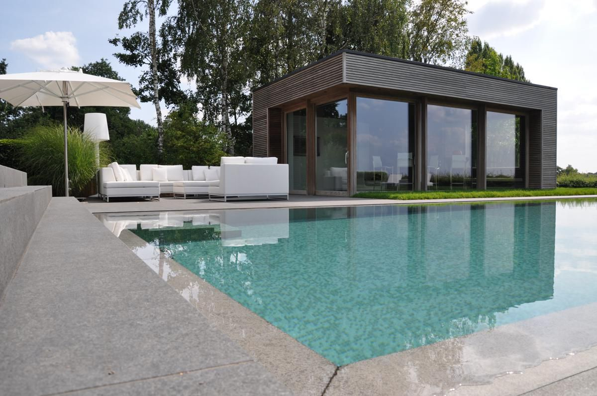 Amenagement interieur pool house carrelage terrasse for Amenagement cuisine pool house