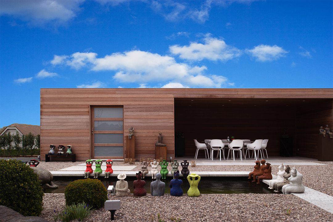 Modern bijgebouw met overdekt terras vdb woodsolutions
