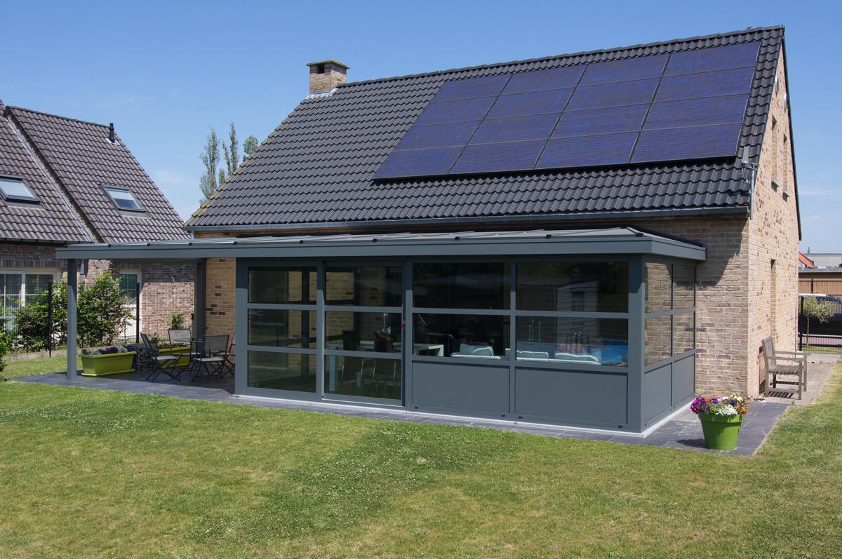 Veranda pergola in aluminium veranclassic for Veranda ouverte sur la maison